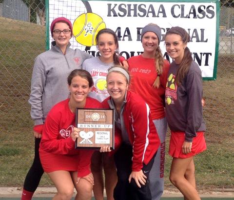 2014 WHS Girls team accepting tournament runner-up trophy.